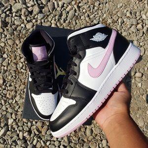 Nike Air Jordan 1 Mid Arctic Pink GS
